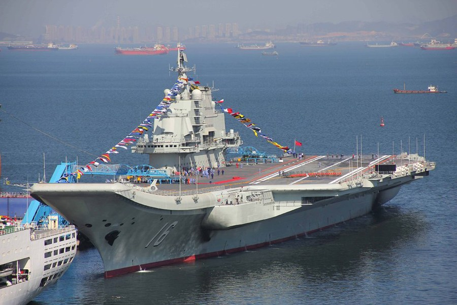 Liaoning undergoing sea trial