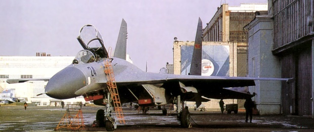 A Su-27SK in PLAAF colour spotted at the KnAAPO aircraft plant before being shipped to China