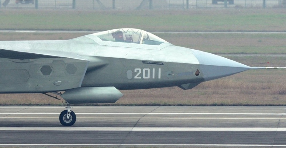 Más detalles del Chengdu J-20 - Página 14 J-20-2011-head