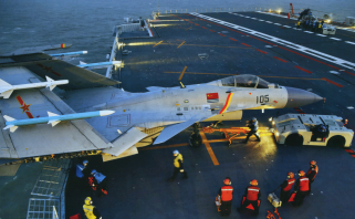 PLANAF Shenyang J-15 on CV-16 Liaoning